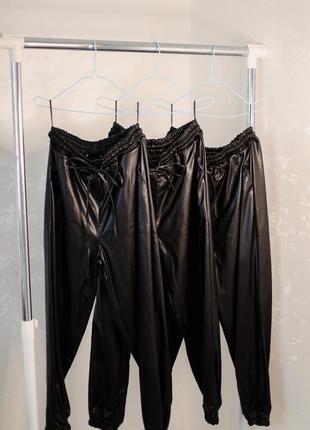 Кожаные брюки женские , джогеры из эко кожи , высокого качества