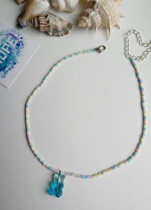 Чокер из бисера разноцветный, с подвеской мишка, голубой, колье, тренд 2021, ожерелье