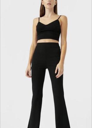 Трендовые чёрные брюки клёш/чёрные классические штаны