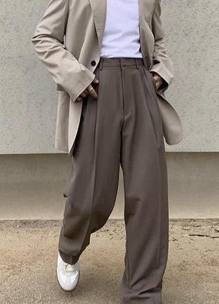 Стильные брюки с высокой посадкой mango
