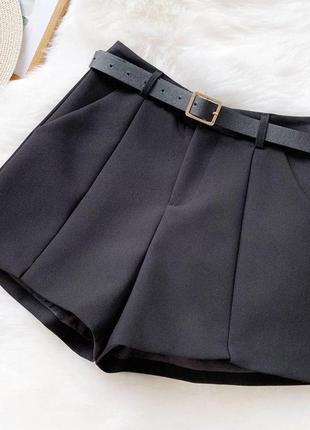 Трендовые шорты в классическом стиле с мини-разрезами спереди, высокое качество (ремень в комплекте) 🍬черные, молочные и нежная лаванда
