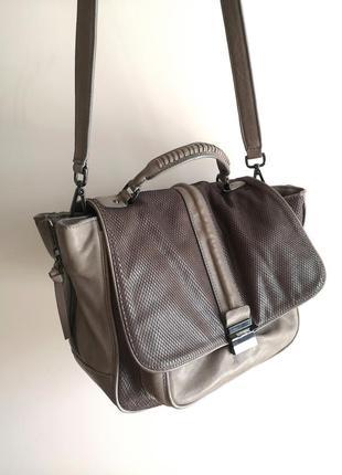 Фирменная кожанная брендовая серая вместительная сумка кожа kurt geiger