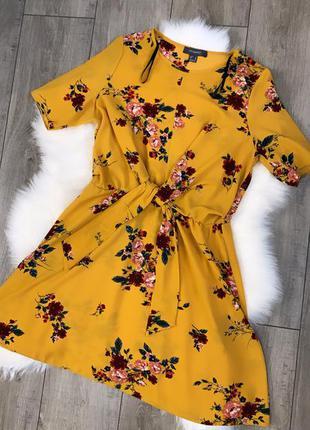 Платье в цветочный принт primark
