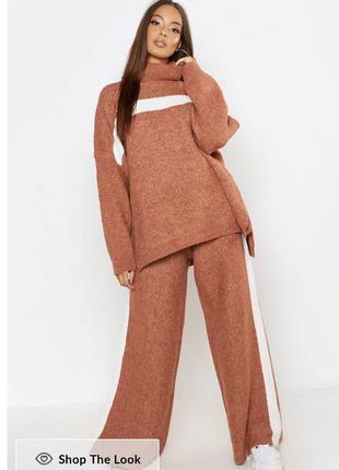Костюм из свитера и штанов