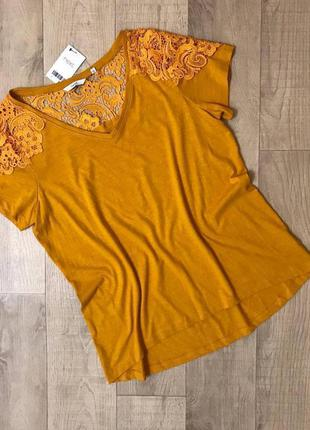 Красивая блуза футболка с ажурными вставками