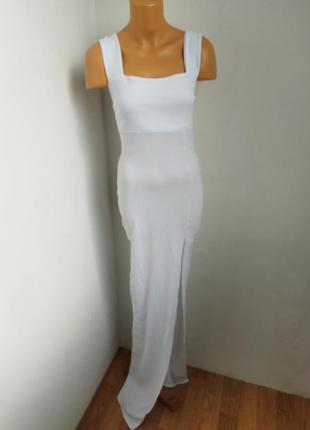 Макси платье с разрезом.
