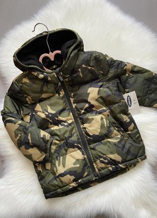 Брендовая куртка на холодную осень на флисе