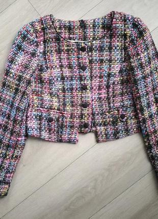 Твидовый пиджак в стиле chanel