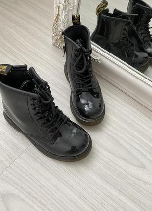 Ботинки на девочку dr.martens