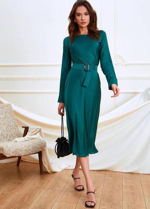 Качественное платье из шёлка с поясом