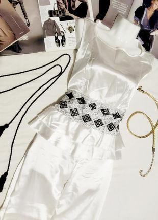 !! распродажа!! нарядный белый брючный костюм !!