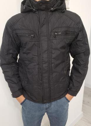 Куртка демісезонна, дуже стильна, ідеальний стан