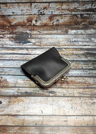 Кожаный коричневый женский кошелек ручной работы