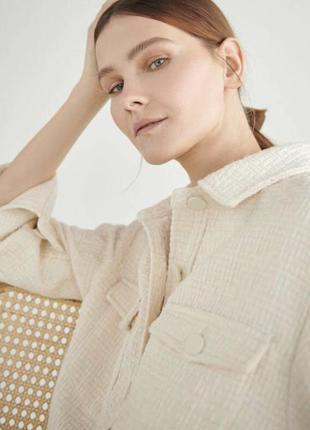 Куртка-рубашка из текстурной ткани кремового цвета reserved