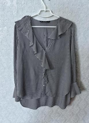 Блуза женская серая с белым в полоску с рюшами zara