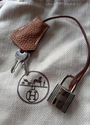 Брелок к сумке hermes,  оригинал,  серийный номер