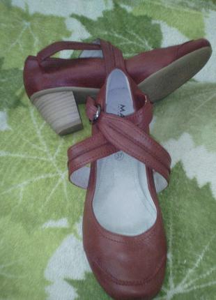 Оригинал marc германия. кожа кожанные туфельки босоножки небольшом устойчивом каблучке