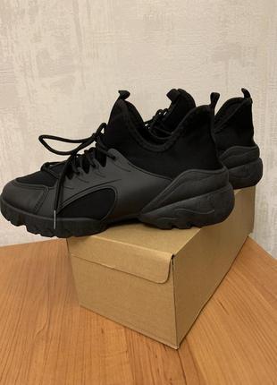 Модные кроссовки/ботинки