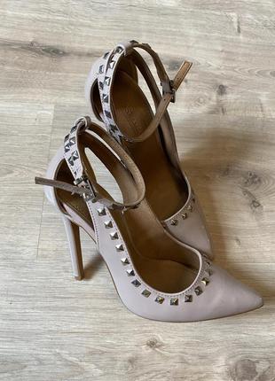Туфли лодочки в стили валентино 35 размер