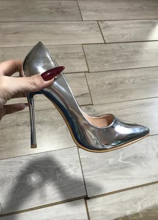 Женские туфли  зеркальные,глянец серебро