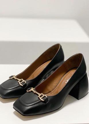 Женские туфли лоферы на каблуке т-2153-01