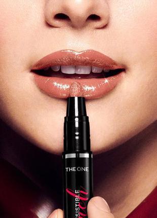 Глянцевая губная помада - кушон the one irresistible touch код 38865 обворожительный нюд