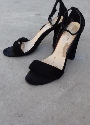 Туфли / босоножки / каблуки