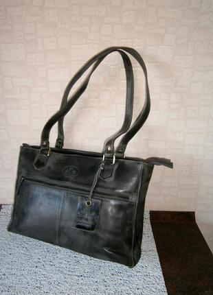 Красивая, стильная повседневная сумка из натуральной кожи. rowallan
