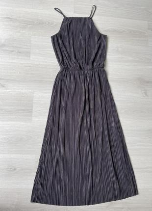 Длинное платье плиссе графит