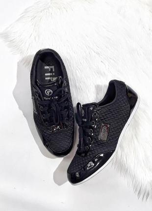 Кроссовки от firetrap, размер 39,5, состояние идеальное