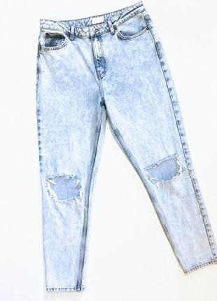 Рваные джинсы мом.