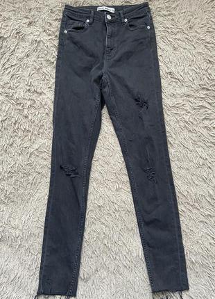 Черные джинсы с высокой посадкой рваные скини высокие зауженные