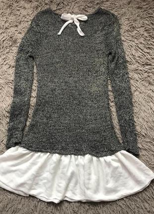 Вязаное тонкое платье туника с люрексовой нитью рюшками