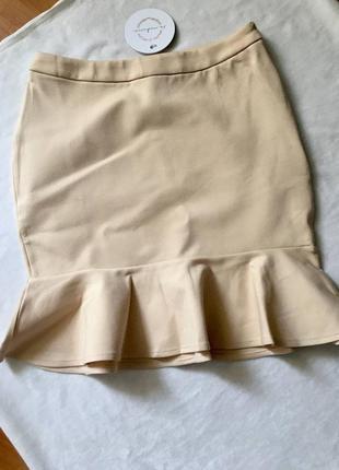 Новая юбка классическая с баской бежевая кремовая офисный стиль