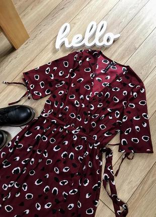 Платья на запах бордового цвета с поясом
