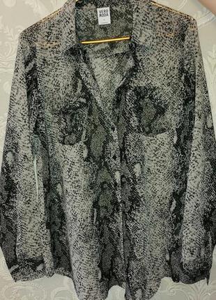 Классная рубашка с узором рептилии