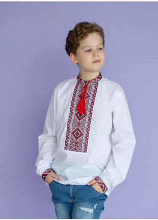Підліткова вишиванка  біла з червоною вишивкою