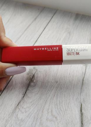 Матовая красная помада maybelline super stay matte ink