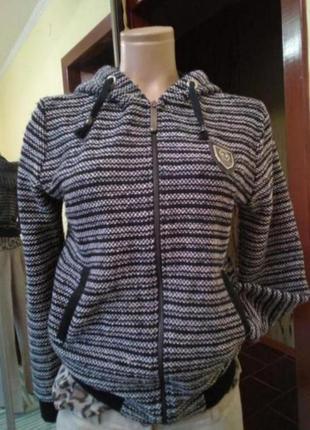 Бомбер ,курточка теплая