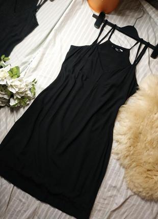 Черное легкой свободное платье 36р