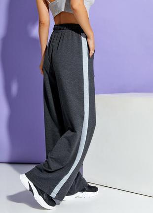 Широкие брюки с лампасами прямые свободные на шнурке демисезонные тренд