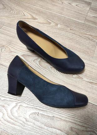 Удобные кожаные кожа туфли на широкую ногу низком каблуке туфлі шкіра wide fit