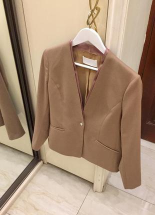 Новий.жакет з тонкої вовни  брендовий hugo boss jasenna camel wool blazer оригінал.