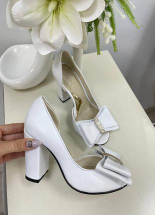 Эксклюзивные белые туфли из натуральной итальянской кожи бантиком свадебные