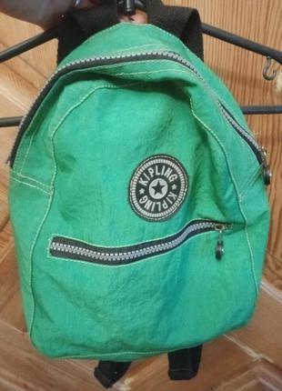 Небольшой рюкзак зелёного цвета из канваса