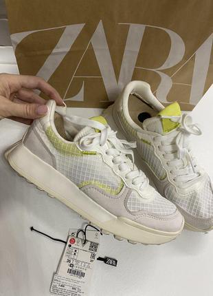 Кроссовки белые 2021 zara на 36 размер спортивные на высокой подошве