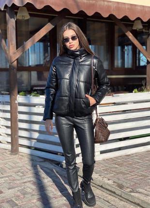 Чёрная куртка из эко кожи