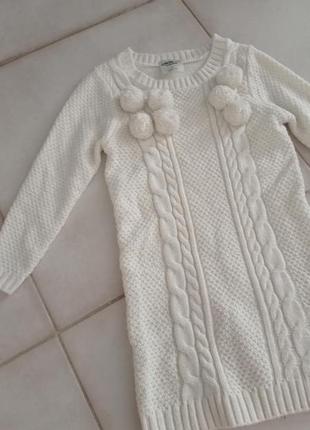 Теплое платье девочке вязаное белое