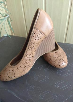 Шикарные туфли из перфорированной кожи new look