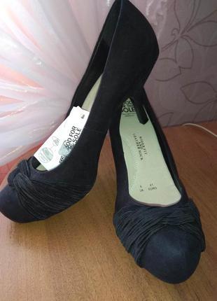 Нарядные туфли повышенной комфортности, новые